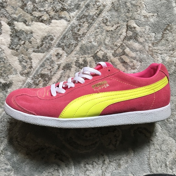 Pink Puma flipper sneakers